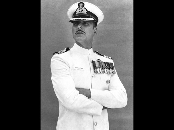 akshay kumar first look in rustom,