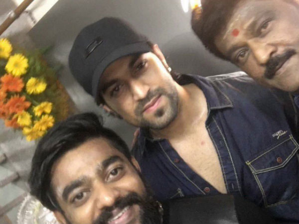 SELFIE TIME: Yash's Pic With Jaggesh & Yathish Goes Viral!