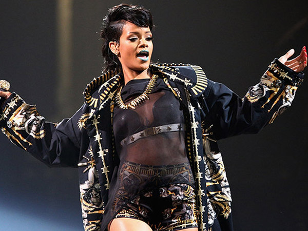 Grammys 2016: Rihanna Cancels & Lauryn Hill Drops Out