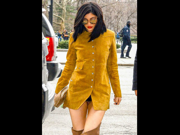 Oops! Kylie Jenner Suffers Wardrobe Malfunction: Flashes Crotch & Underpants!