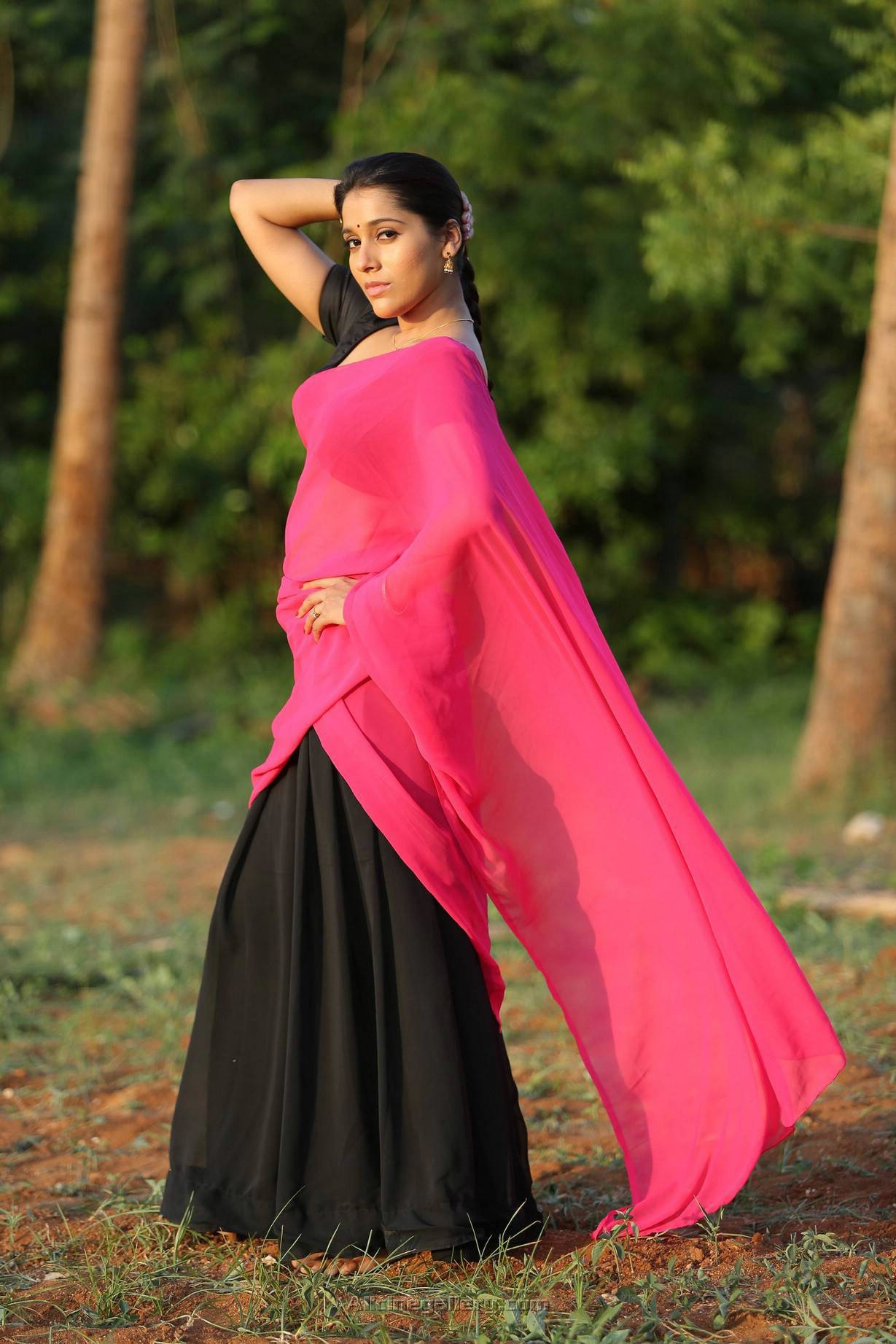Rashmi Gautam Agrees Dating Hero Siddhu Filmibeat