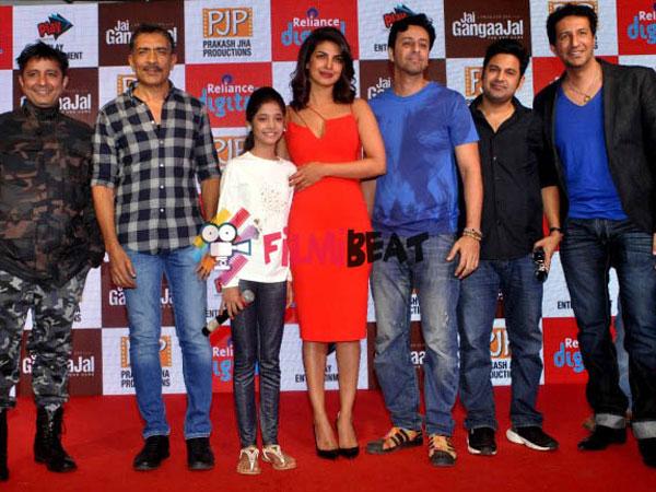 jai gangaajal review story plot starring priyanka chopra