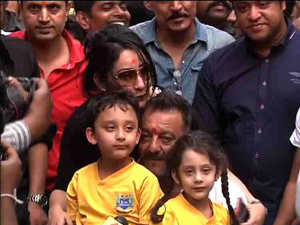 Sanjay Dutt with kids