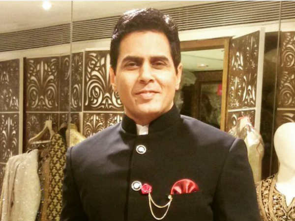 Check Out Bigg Boss 9 Contestant Aman Verma's Wedding Card!