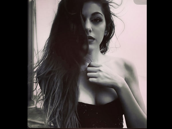 HOTTEST PICS Of Pooja Bedi's Daughter Aaliyah Ebrahim