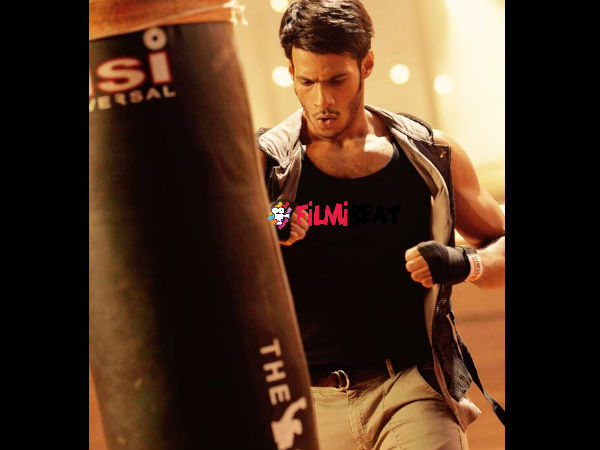 Meet Enthusiastic Nikhil Gowda From The Sets Of 'Jaguar'!