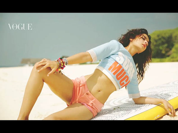 Unseen & Too Hot! <a class='inner-topic-link' href='/search/topic?searchType=search&searchTerm=ALIA BHATT' target='_blank' title='alia bhatt-Latest Updates, Photos, Videos are a click away, CLICK NOW'>alia bhatt</a> From Behind The Scenes For Vogue Magazine Photoshoot
