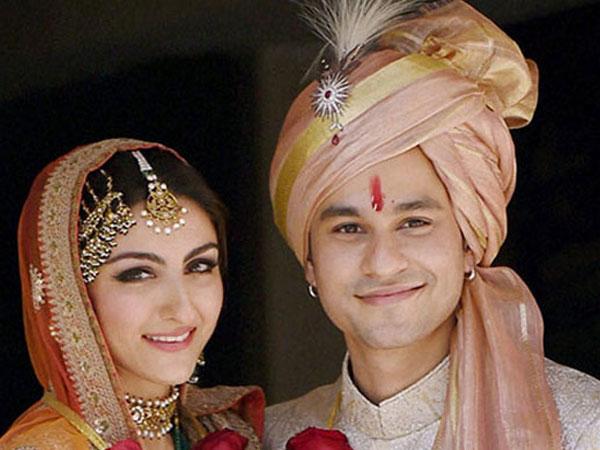 Oh No! After Malaika & Arbaaz, Soha Ali Khan & Kunal Khemu