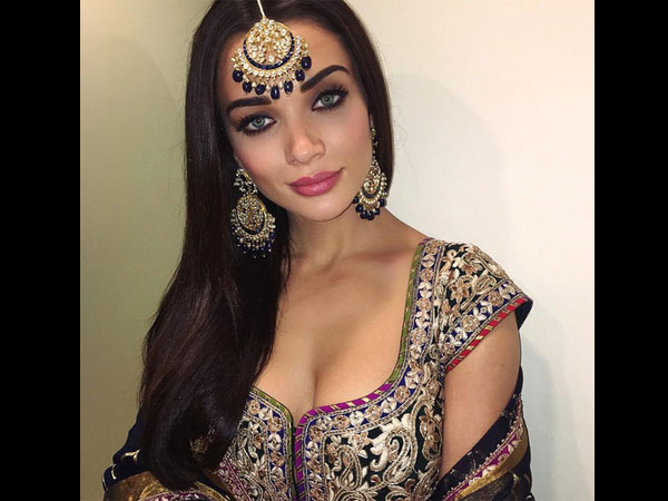 amy-jackson-spotted-at-lavish-wedding-latest-pictures-looks-royal