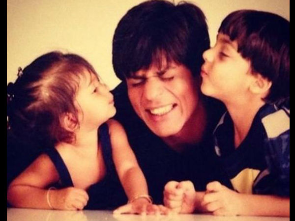 pic-suhana-aryan-kissing-shahrukh-khan-see-other-unseen-photos