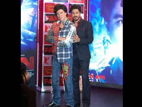 shahrukh-khan-promotes-fan-madame-tussauds-gaurav-wax-statue-pics