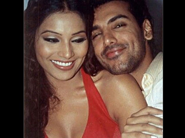 Bipasha Basu And John Abraham Kissing