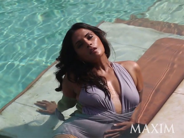 Also Read: Hot Pictures! Riya Sen Sets The Temperatures Soaring To New ...