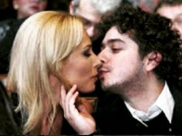 iulia-vantur-unseen-kissing-pictures-with-ex-husband-go-viral