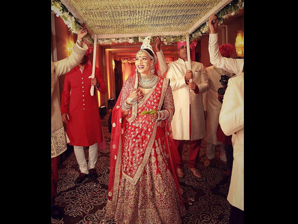 bipasha-basu-shares-wedding-pictures-on-instagram