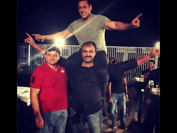 salman-khan-at-sultan-wrap-up-party-pictures-from-the-film-s-sets
