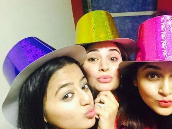 Tejaswi Prakash Wayangankar Parties With Swaragini Actors