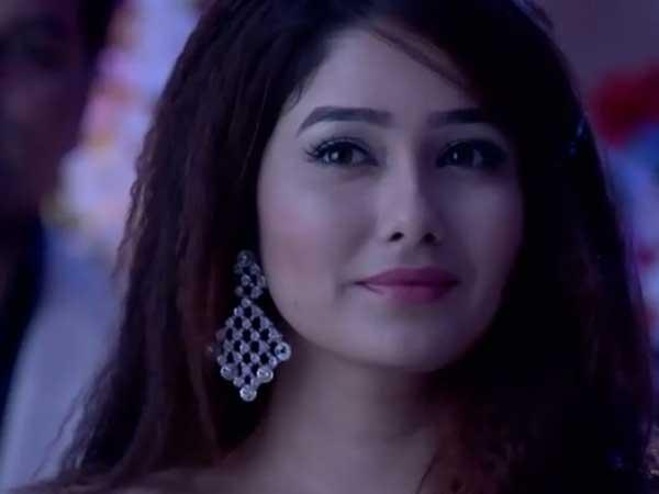 Kumkum Bhagya Major Drama: Tanu Provokes Abhi; Pragya Slaps Tanu ...
