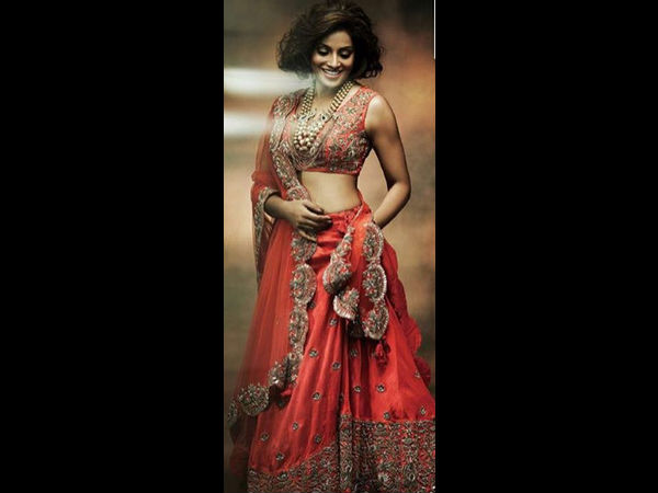 bipasha-basu-latest-photoshoot-for-hi-blitz-bridal-avatar-new-pictures