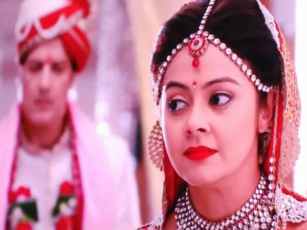 Major Twist In Saath Nibhana Saathiya; Dr Krishna Raheja Killed Gopi's Husband Ahem!