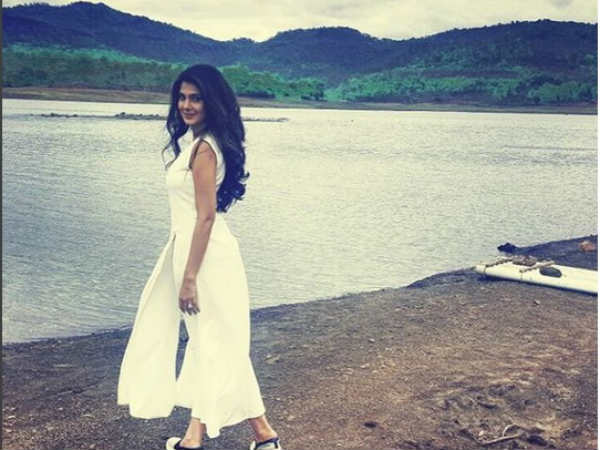 Check Out Jennifer Winget & Kushal Tandon's First Look From Behad! [PICS]
