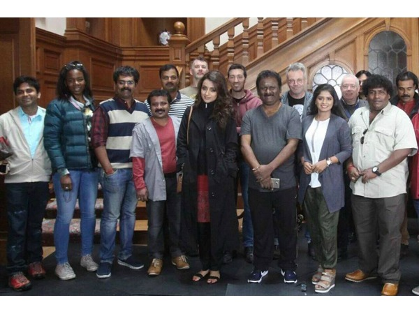 Pawan Kalyan, Mahesh Babu & Many Tollywood Celebs Visiting London, Whats Cooking!
