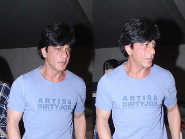 Right on target shahrukh khan takes on the cbfc with a for Shahrukh khan t shirt brand