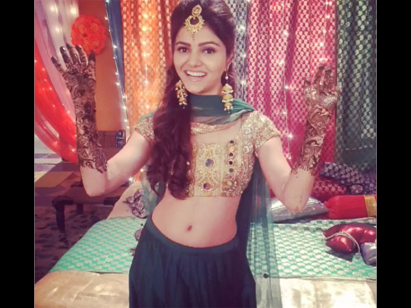 Rubina Dilaik Aka Soumya Looks Gorgeous In Her Bridal Avatar In