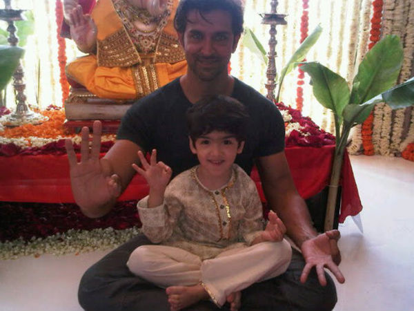 Pictutes! Hrithik Roshan Does Push Ups With His Son ...