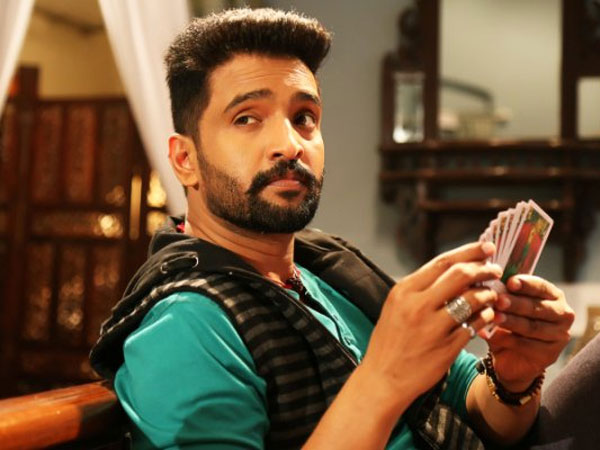 Comedy In Dhilluku Dhuddu On The Lines Of Mr Bean