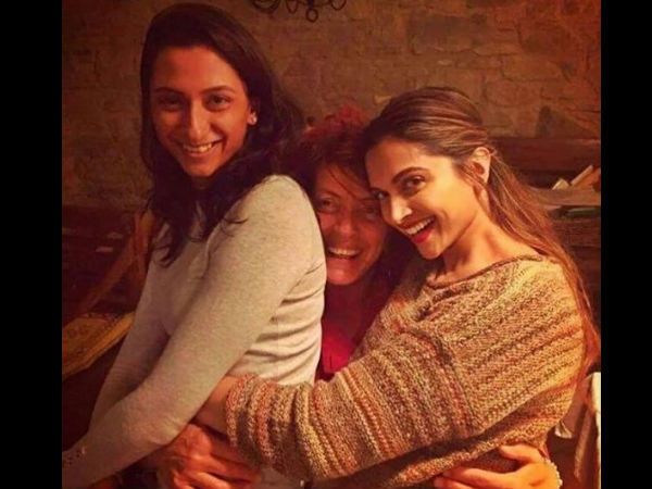 deepika-padukone-spotted-with-sister-anisha-cooking-class-in-italy