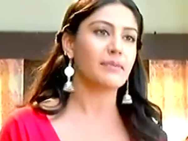 Anika Leaves The Oberoi Mansion