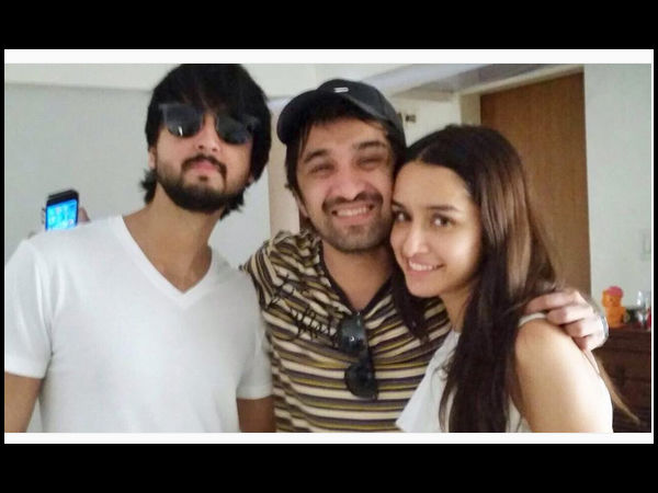 Shraddha With Her Brothers
