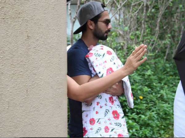 Shahid With The Little Kapoor