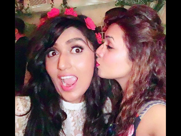 Yeh Hai Mohabbatein Actress Shireen Mirza Parties With Divyanka, Vivek, Aly & Others (PICS)