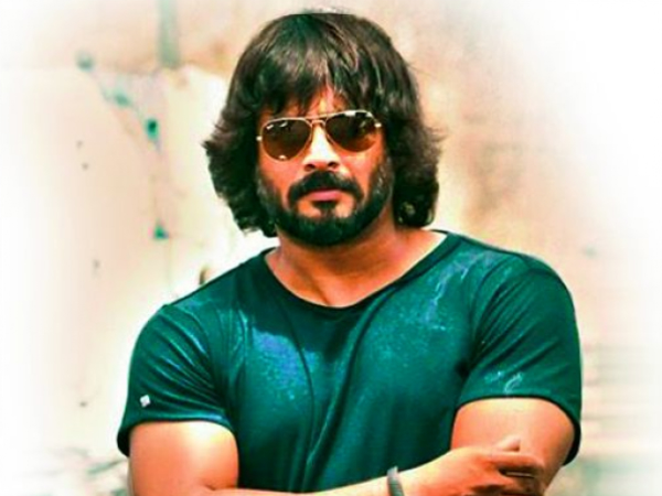 Madhavan Wins The Style Icon Of The Year Trophy!