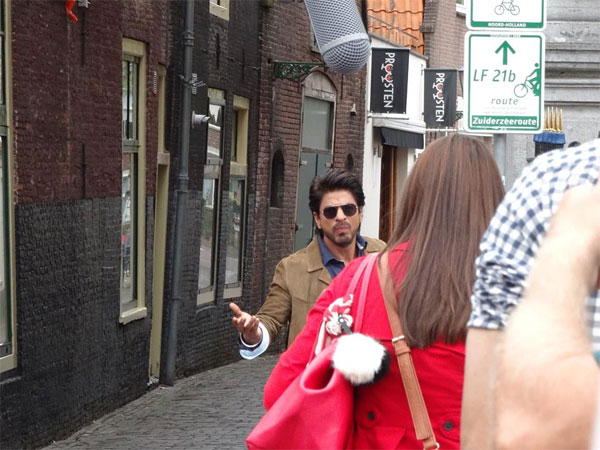 SRK-Anushka's Third Outing