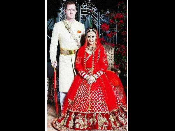 OUT NOW! Preity Zinta's Wedding Pics From California