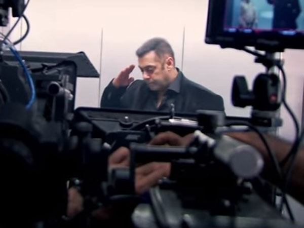 salman3  24 1474704983 - Salman Khan Enjoys While Shooting BB10 Promos (PICS)