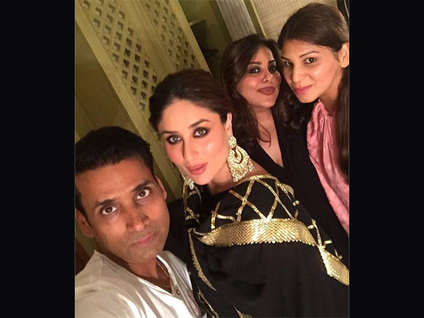 Kareena With Her Team
