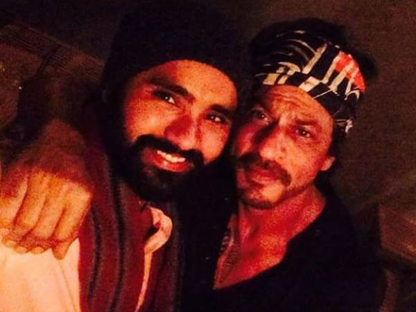 SRK With A Fan