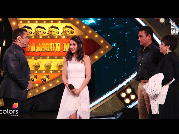 http://filmibeat.com/img/2016/10/image3akanshasharma-17-1476686428.jpg
