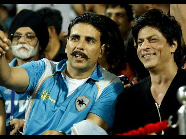 When The Fan Thought SRK Was Akshay Kumar