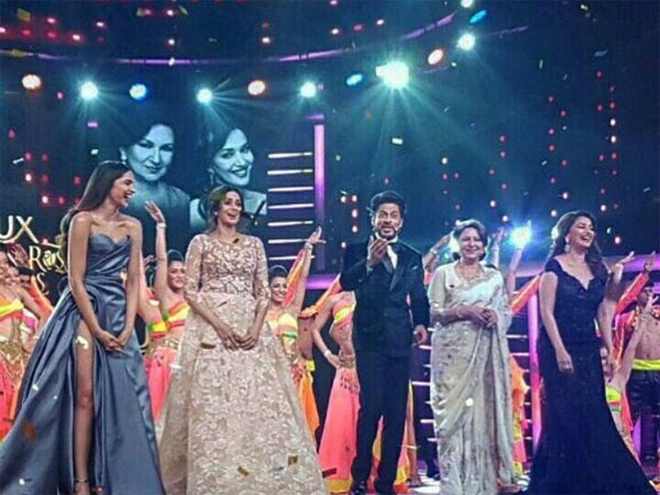 SRK With The Divas