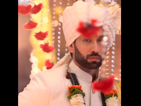 Shivaay Forces Anika To Marry Him