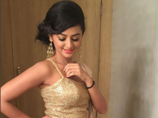 Swaragini's Swara Aka Helly Shah Gifts Herself A Solitaire Ring!