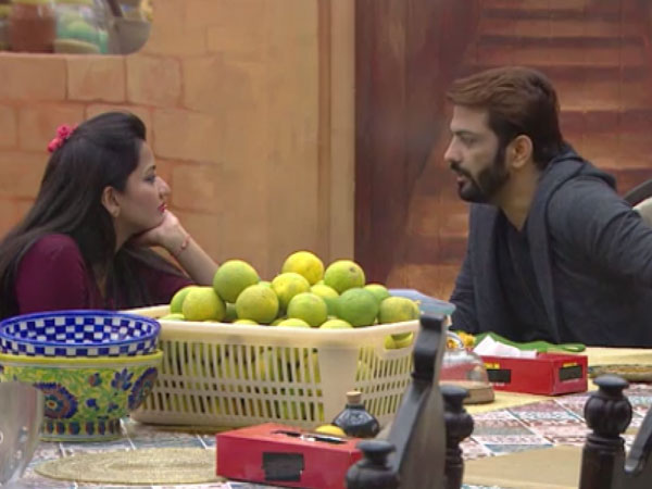 bigg-boss-10-all-does-not-seem-good-between-manu-and-indiawale