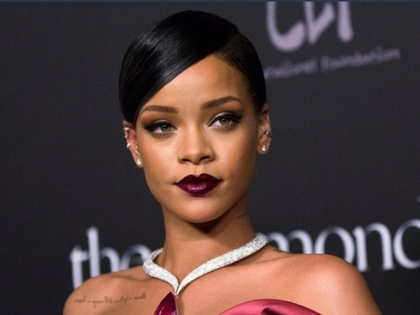 Rihanna Shoots Down Rumours Of Rift With Beyonce On Grammy Nominations