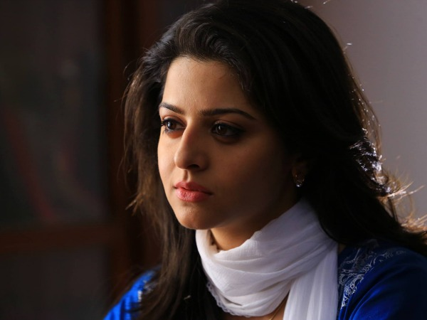 Vedhika (James And Alice)
