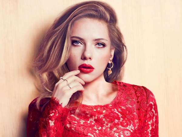 Scarlett Johansson Pleased To See More Women On Film Sets